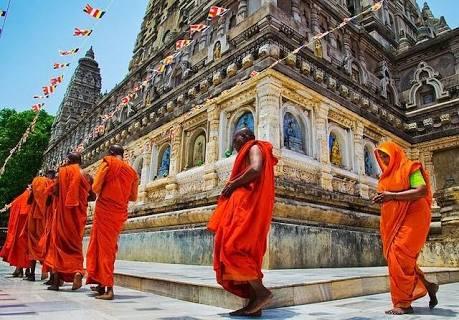 Temple pradakshinam